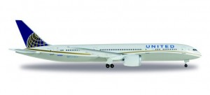 United Airlines Boeing 787-9 Dreamliner N45956