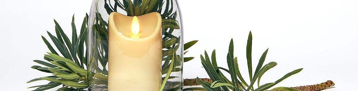 Programmable and remote controllable candles