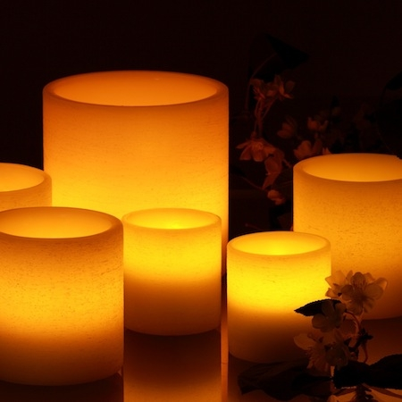 3 small LED pillar candles in ivory wax - H 8cm