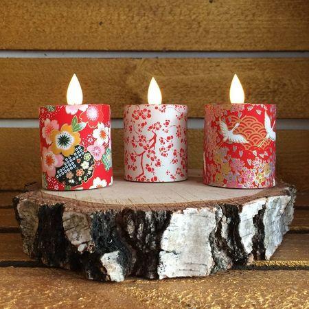 Led candle with moving flame - paper red Japanese flowers -  H5,2cm