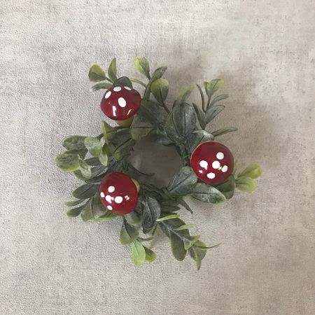 Pack of 5 real pine cones