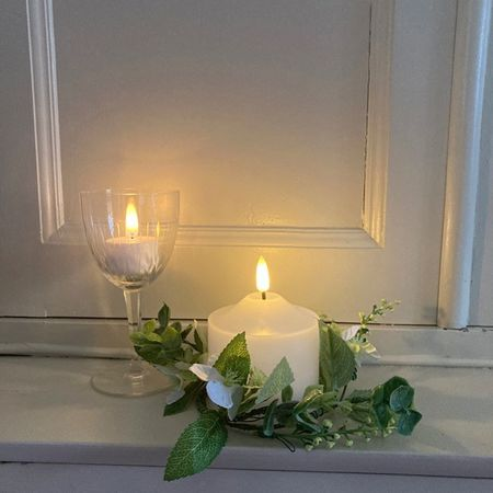 Spring wreath for candles - White