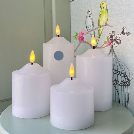 Pilar candle in white wax H 17 cm