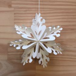 Star made in white paper ready to hang - h 17 cm
