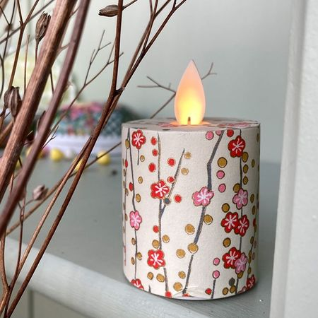 LED candle with moving flame Small flowers - H5.2CM