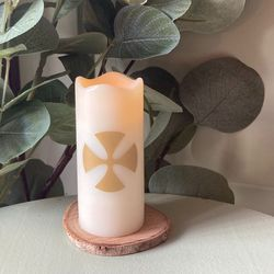 Small LED wax pillar candle - Malta Cross - H7.6CM