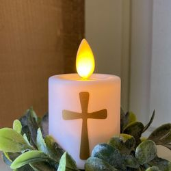 Mini LED candle with moving flame - Modern Cross