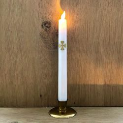 LED wax candle with moving flame