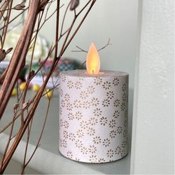 LED candle with moving flame golden flowers - H5.2CM