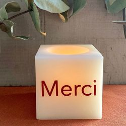 Bougie LED Cube en cire - Merci