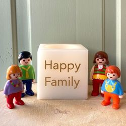 Bougie LED Cube en cire - Happy Family