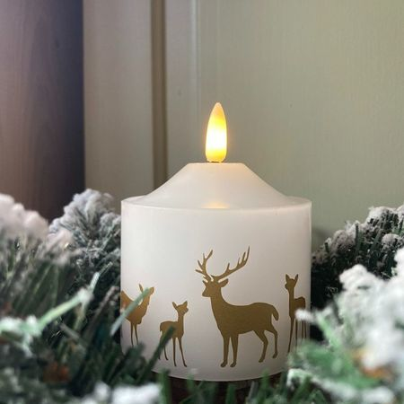 Pilar candle in white wax - Deer Family