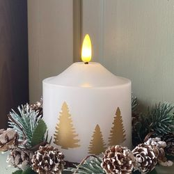 Pilar candle in white wax - Golden trees