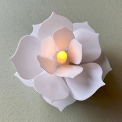 Luminous LED flower - White CAMELLIA PETAL