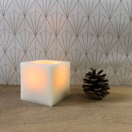 Square LED candles, in white wax, remote controllable - CUBE2