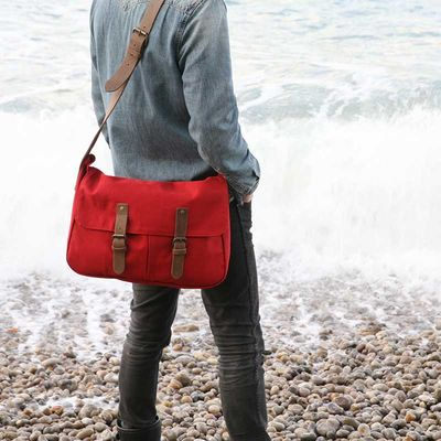 ALL CANVAS MESSENGER BAGS AND FABRIC BAGS