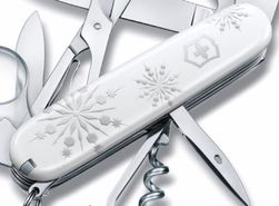 Victorinox Explorer White Christmas 1.6703.77 Swiss knife
