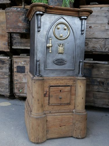 ancien grand coffre fort industriel annees 30