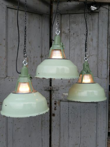 abat jour emaillee vert lampe industrielle holophane