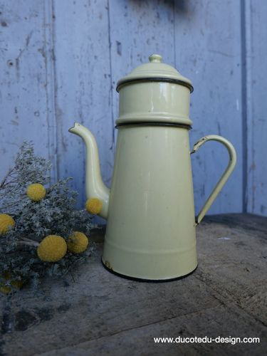 ancienne cafetiere emaillée jaune