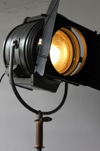 Rare gros projecteur cinema MCALISTER des studios Hollywood Californie  30/40 bronze