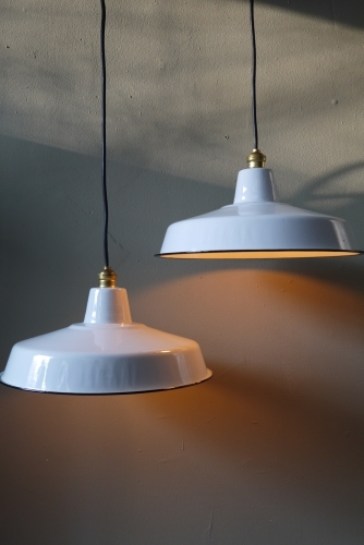 grand abat jour emaillee lampe industrielle blanc