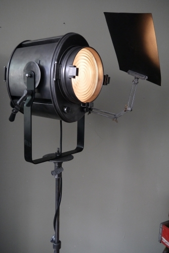 Projecteur de cinema Cremer Paris entierement d'origine