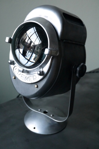 Projecteur de cinema  poli graphite