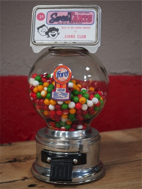 Distributeur à bonbon Ford Ball Gum 1950 SWEETARTS