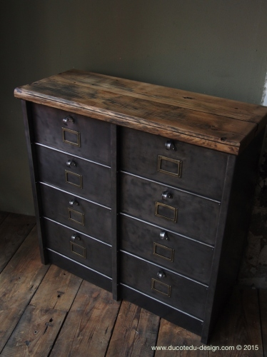 ancien meuble 8 casiers industriel strafor plateau chene massif. Black Bedroom Furniture Sets. Home Design Ideas