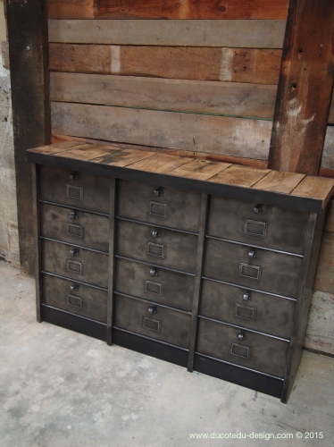 ancien grand meuble 12 casiers industriel strafor plateau chene massif. Black Bedroom Furniture Sets. Home Design Ideas