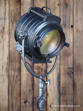 projecteur cinema MCALISTER des studios Hollywood Californie  pied tripod