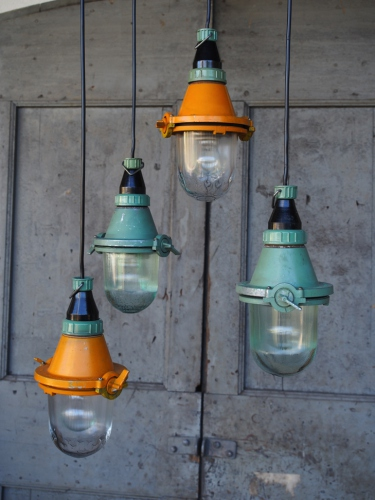 lampe verte industrielle suspension verre