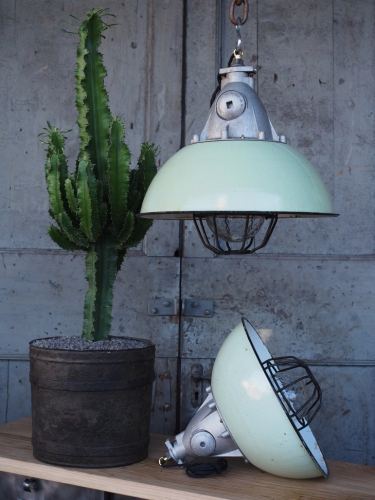 suspension abat jour emaillee vert lampe industrielle grille