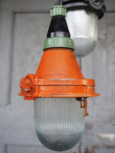 lampe baladeuse industrielle suspension verre orange