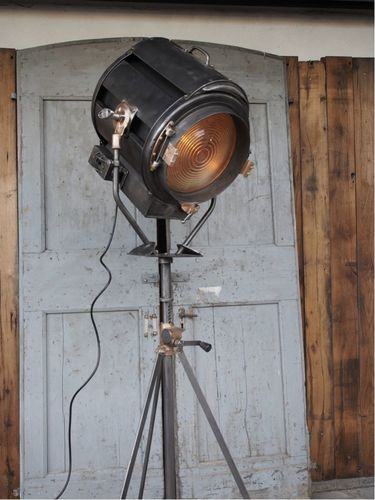 gros projecteur cinema MOLE RICHARDSON FRANCE  studio VICTORINE Nice 5k