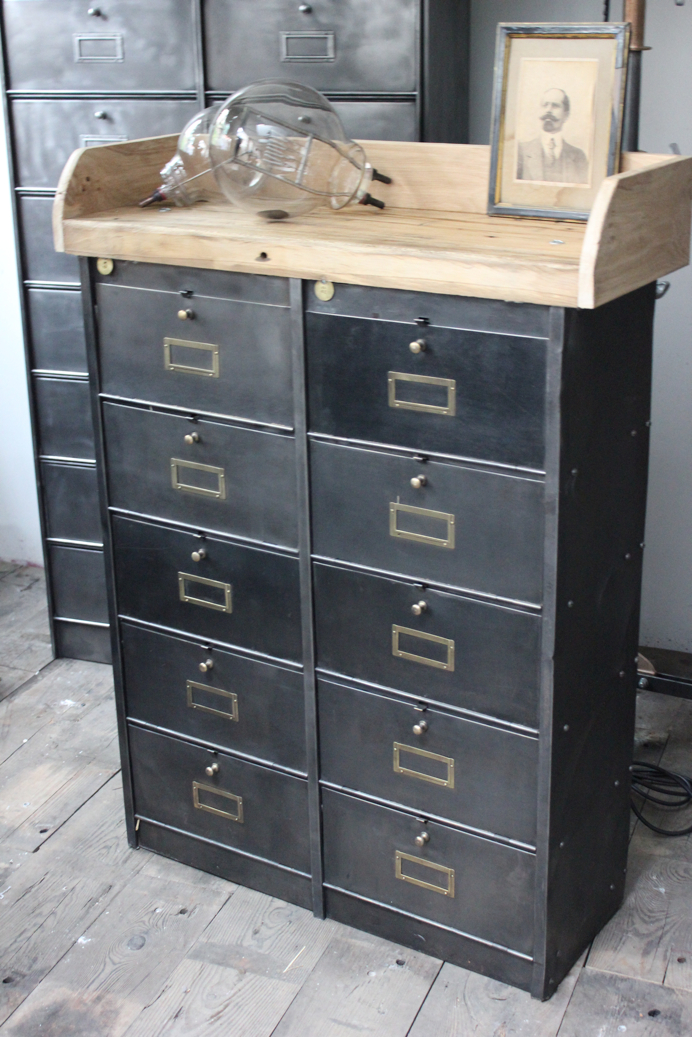 ancien meuble console 10 casiers industriel a clapet roneo 1940. Black Bedroom Furniture Sets. Home Design Ideas