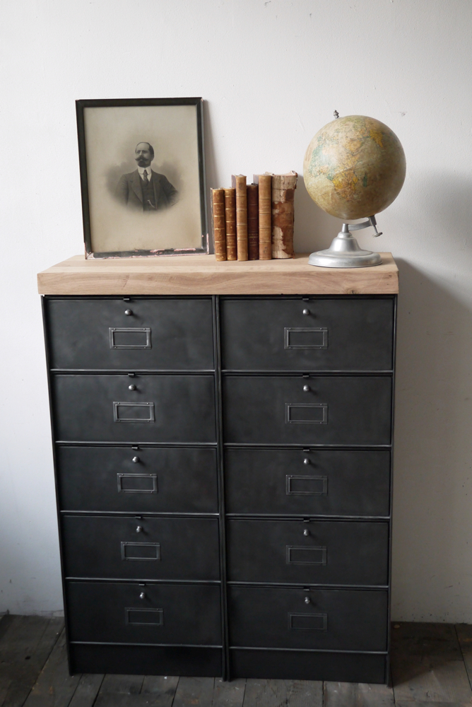 ancien meuble console 10 casiers industriel a clapet roneo 1950 plateau chene massif. Black Bedroom Furniture Sets. Home Design Ideas
