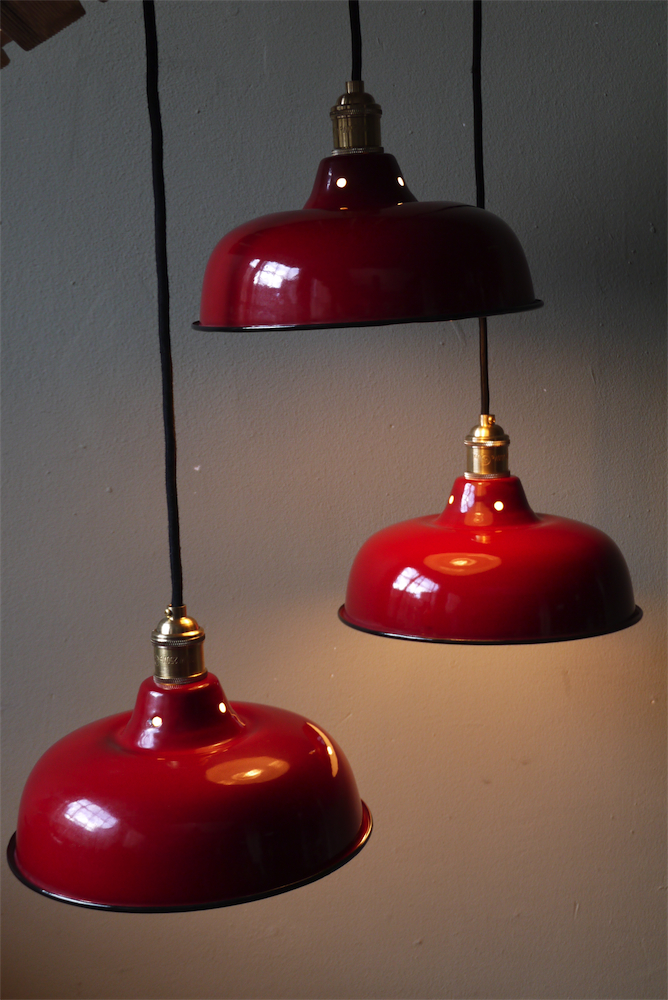 Rare abat jour emaill lampe industrielle rouge for Luminaire suspension rouge