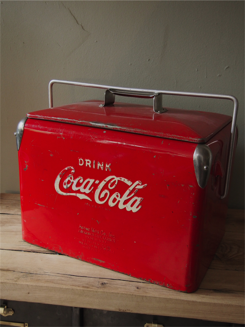 Ancienne glaciere americaine coca cola for Frigo coca cola grande