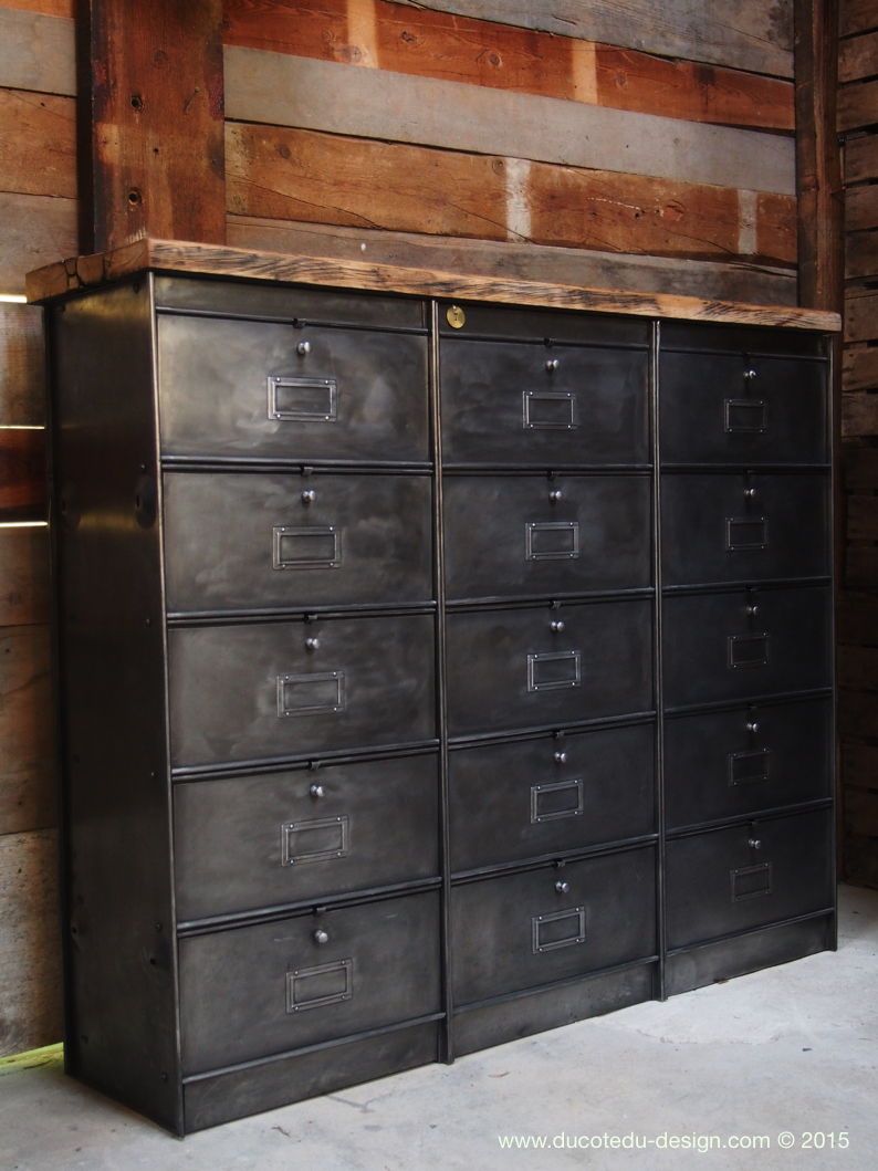 ancien meuble console 15 casiers industriel a clapet roneo 1950 plateau chene massif. Black Bedroom Furniture Sets. Home Design Ideas