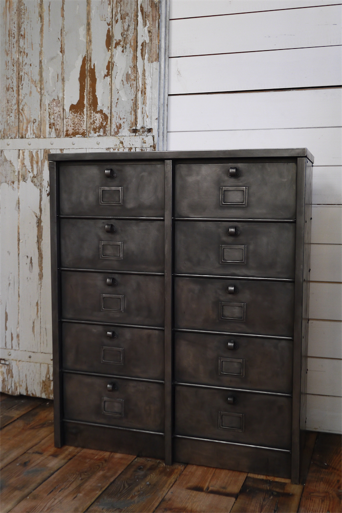 ancien grand meuble 10 casiers industriel strafor. Black Bedroom Furniture Sets. Home Design Ideas