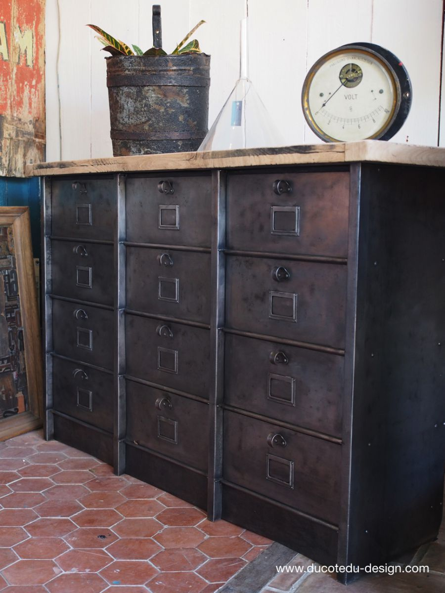meuble industriel a clapet strafor 1950. Black Bedroom Furniture Sets. Home Design Ideas