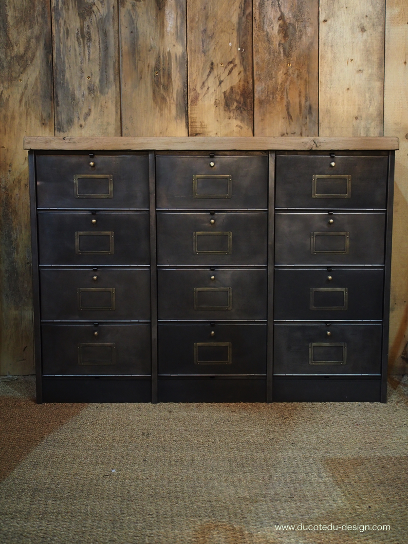 ancien meuble console 12 casiers industriel a clapet roneo 1940 plateau chene massif. Black Bedroom Furniture Sets. Home Design Ideas