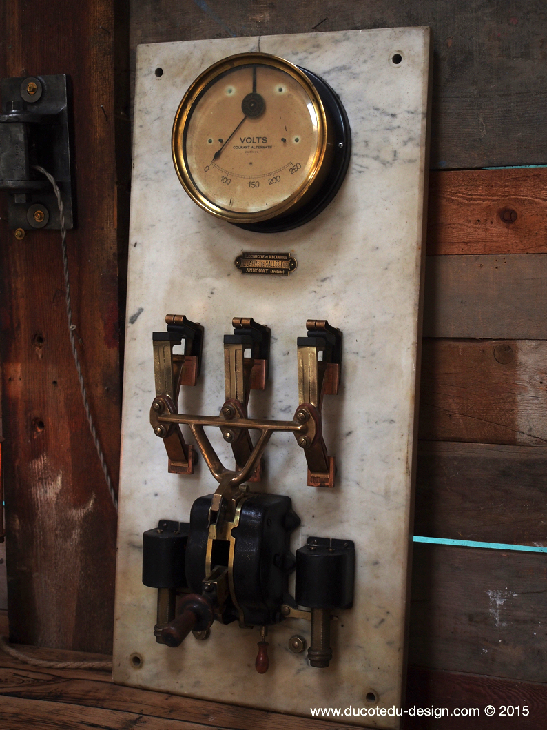 ancien compteur electrique img with ancien compteur electrique simple jpg p with ancien. Black Bedroom Furniture Sets. Home Design Ideas
