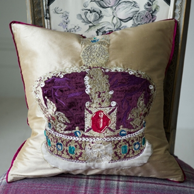 The Royal Collection coussin Jubilee Ivory