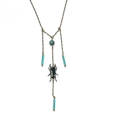 Lina Poum necklace Scarabeus emerald