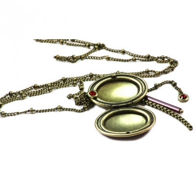 Lina Poum long necklace locket Scarabeus bordeaux
