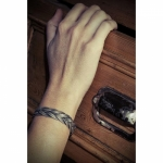 CORALIE DE SEYNES bracelet Attelage 4 rounds gilded grey leather red feather