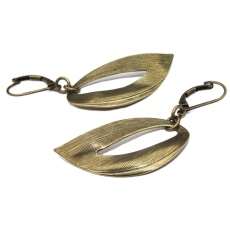 Coralie De Seynes earrings Virgules bronze
